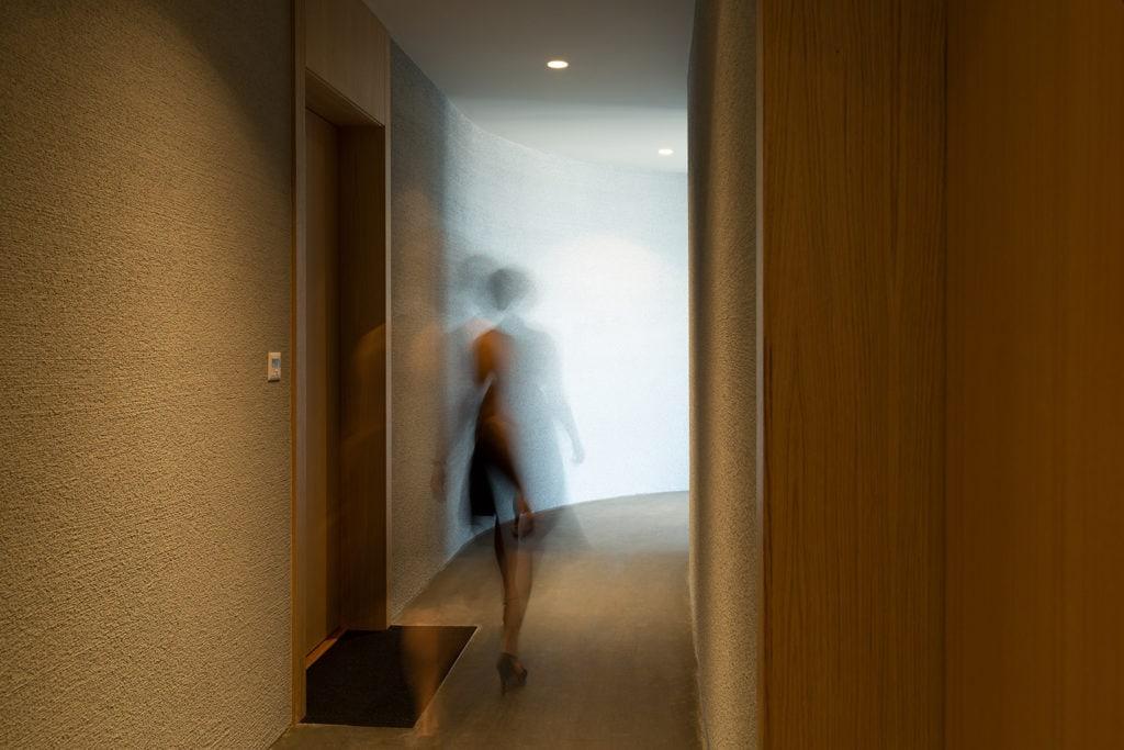 58 Genthod_ Appart 1er étage_couloir et portes-4661